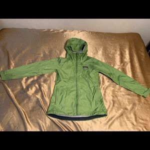 Patagonia h2no Womens XS Green Waterproof.